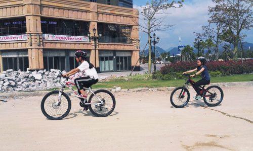 李昕蕾-20170507自行车-上路